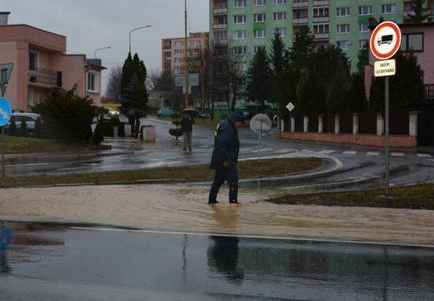 Povodne vo februári zasiahli všetky okresy v regióne.