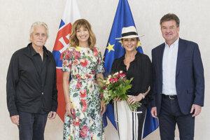 Minister Lajčák s manželkou prijali herca Michaela Douglasa a jeho manželku.