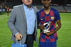 Najlepší hráč turnaja Saidou Mamadou Bah z FC Barcelona.