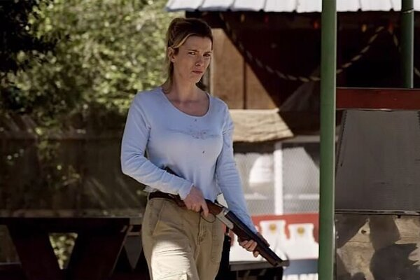 Betty Gilpin vo filme Lov (The Hunt)