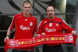 Martin Škrtel (vľavo) a Rafael Benítez ešte počas pôsobenia v Liverpool FC.