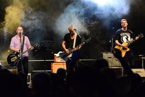3. august 2013 - skupina Hex vystupuje počas Multižánrového košického festivalu Leto v parku.