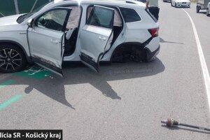 Mladý vodič nedával na ceste pozor.