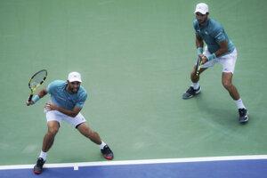 Kolumbijská dvojica Sebastian Cabal a Robert Farah vo finále turnaja v Cincinnati.