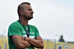 Tréner nováčika z Kalše Ľubomír Maďarik má zatiaľ dôvod na spokojnosť.