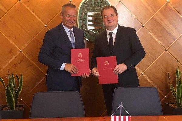 Primátor B. Bystrice Nosko a rektor TU vo Zvolene Kropil.