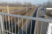 Prepravu vyhoreného paliva z elektrárne v Mochovciach zabezpečili po železnici.