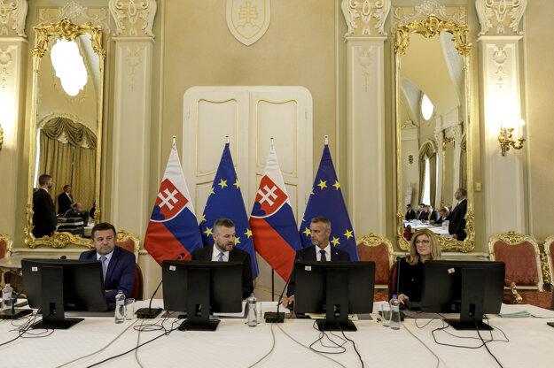 Vláda na stredajšom rokovaní odklepla peniaze aj pre Poprad.