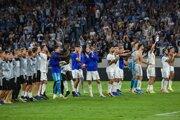 Radosť hráčov Slovana po výhre v zápase play off Európskej ligy 2019/2020 ŠK Slovan Bratislava - PAOK Solún.