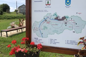 Mapa parku v obci Červená Voda, ktorý má tvar Slovenska.