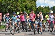 Na štart 25. ročníka sa postavila rovná stovka cyklistov.