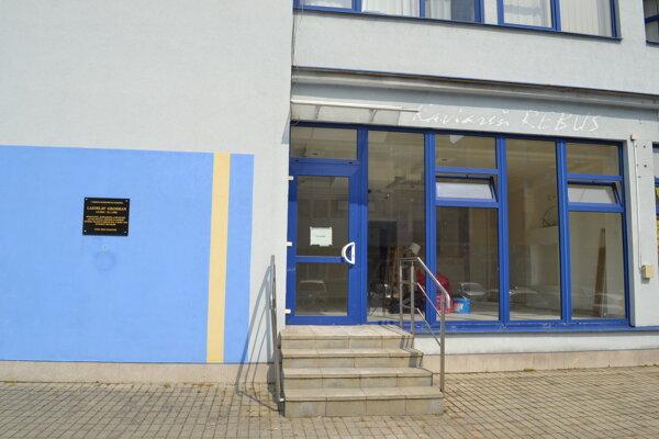 Mestské Turisticko-informačné centrum sa presťahuje zo železničnej stanice do Domu kultúry. Od septembra bude sídliť v priestoroch bývalej kaviarne.