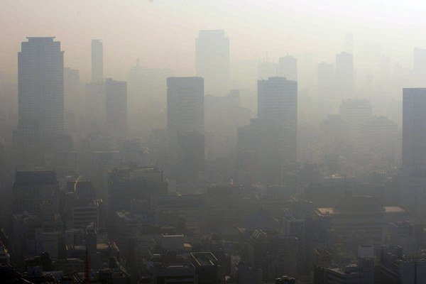 Bezpilotné lietadlá majú obyvateľom ukázať oblohu, ktorú už roky zastiera závoj prachového smogu.