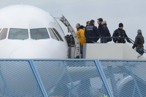Nemecko deportovalo ďalších neúspešných žiadateľov o azyl.