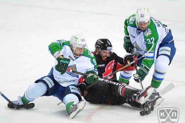 Budú v nasledujúcom ročníku KHL hokejisti Slovana lietať aj na zápasy do najľudnatejšej krajiny sveta?