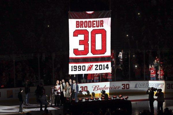 Devils vyradili dres s číslom 30, ktorý nosil brankár Martin Brodeur.