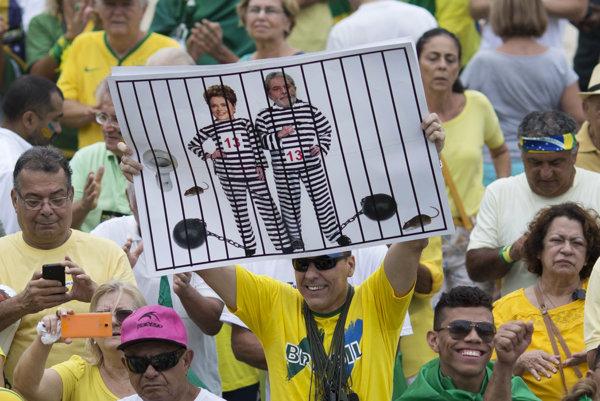 Protestujúci žiadajú Rousseffovej odstúpenie aj trest.