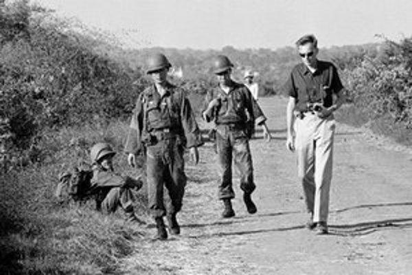 Americká armáda medzi rokmi 1962 a 1971 použila pri bombardovaní približne 75 miliónov litrov rôznych herbicídov.