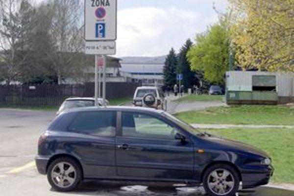 Parkovanie v Púchove.