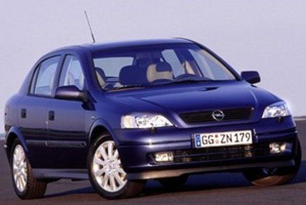 Opel Astra Classic II končí. Veľmi úspešný a po dvanástich rokoch výroby stále pekný model patrí medzi najlepšie autá značky.