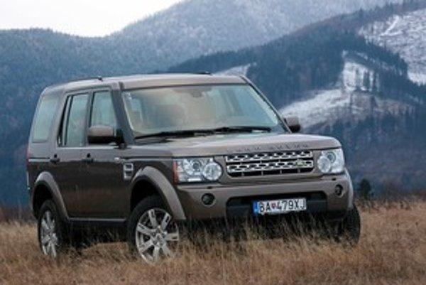Discovery je zlúčeninou toho najlepšieho v rámci značky. Range je podľa nás prehnane luxusný a Defender zasa surový.