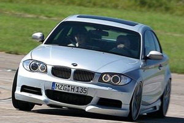 Úpravárenská firma Hartge stavia na dobrých základoch sériového modelu a skutočnosti, že podvozky BMW sú rýchlejšie ako motor.
