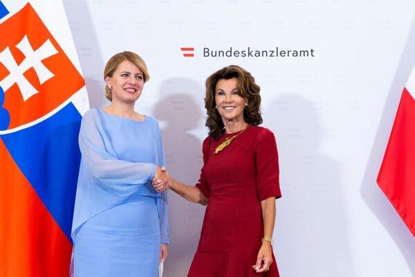 Prezidentka Čaputová s rakúskou kancelárkou.