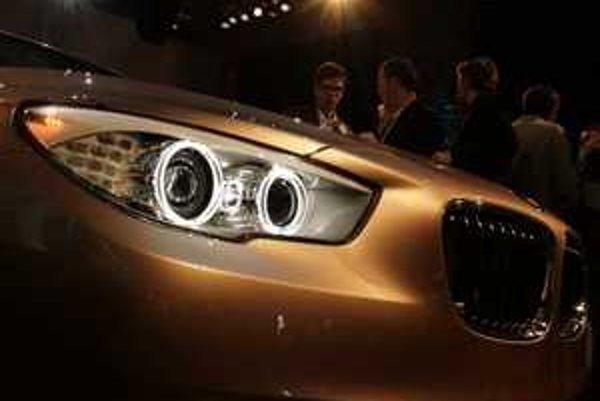 Koncepcia päťdverového auta s dvojitýcm otváraním zadných dverí je pre BMW nová. Na informácie o technike musíme ešte čakať, ale už teraz vieme, aké črty prednej masky bude mať nové päťkové BMW.