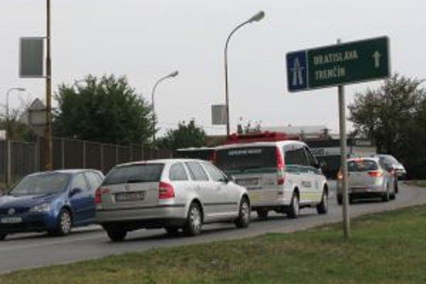 Rozšírenie cesty by mohlo zmierniť dopravné zápchy.