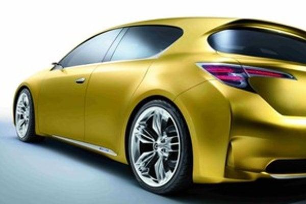 Svet s napätím očakáva ako bude vyzerať kompakt v podaní Lexusu.