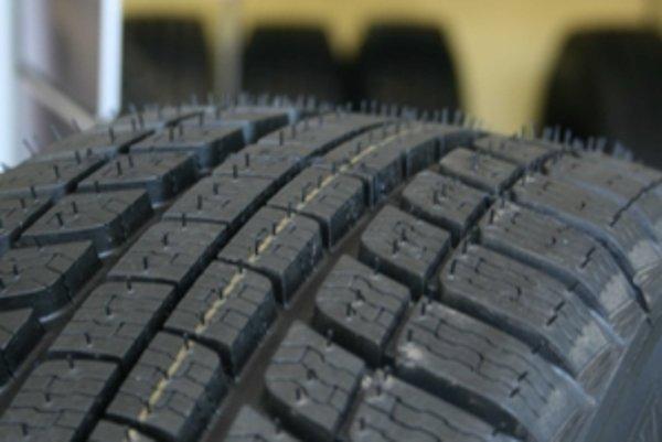 Už pri kúpe z domu treba myslieť na to, v ktorom servise pneumatiky vymenia