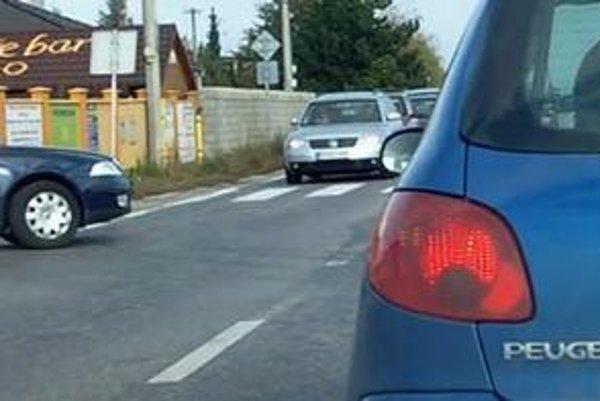 Púšťate na hlavnú autá z vedľajšej? Zbrzdili ste premávku na hlavnej? Porušujete dopravné predpisy.