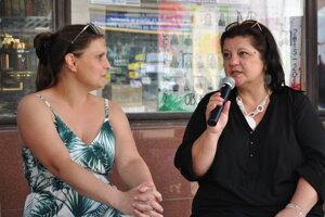 Spisovateľka Monika Macháčková (vpravo) na podujatí Literárna Nitra.