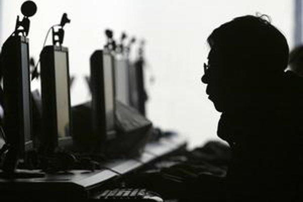 Vo virtuálnom svete internetu útočia nielen hacktivisti, ale aj niektoré štáty. Jeden z nich pravdepodobne stojí aj za dosiaľ najväčším odhaleným útokom hackerov.
