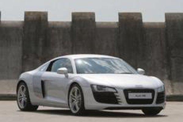 Od prvého predstavenia Audi R8 sa snáď nenašiel motorista, ktorému by sa nový športový automobil nepáčil.