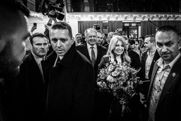 Zuzana Čaputová a Andrej Kiska na jednej z víťazných fotografií série Noc s prezidentkou.