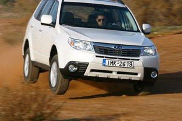 Počas prvých testovacích jázd Forester potvrdil, že stále je pripravený pobiť sa o pozíciu najlepšie jazdiaceho SUV na trhu.