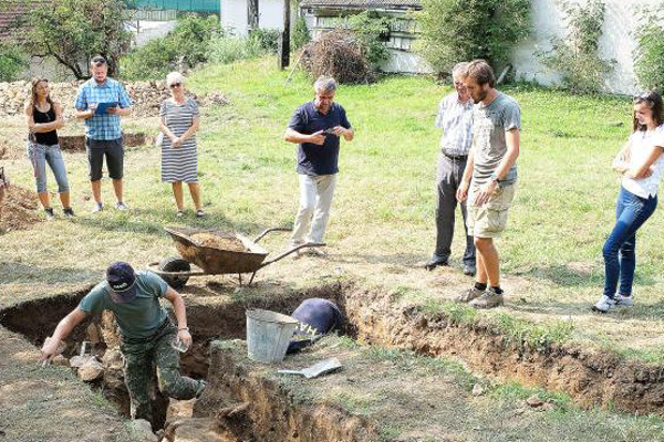 Archeologické odkrývanie časti Potterovho stroja.