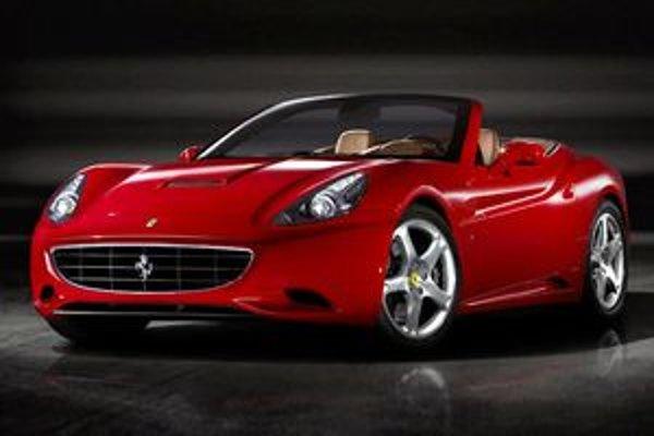 Dizajn v sebe kombinuje prvky z ostatných modelov Ferrari, hlavne 612 Scaglietti a 599 GTB.