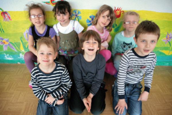 Horný rad: Lesanka (6), Ninka (7), Peťka (7), Karolínka (6)Dolný rad: Robko (6), Krištofko (6), Tomáško (7)