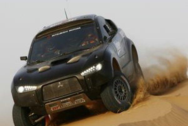 Model Racing Lancer sa koncom júna zúčastnil na dvoch týždňových testoch v Španielsku a Maroku, ktoré nasledovali po jeho premiére začiatkom mesiaca.