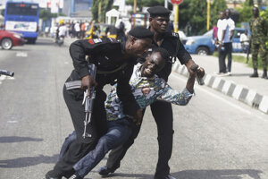 Nvinár Victor Ogungbenro, ktorý sa zúčastnil na proteste v Lagose.
