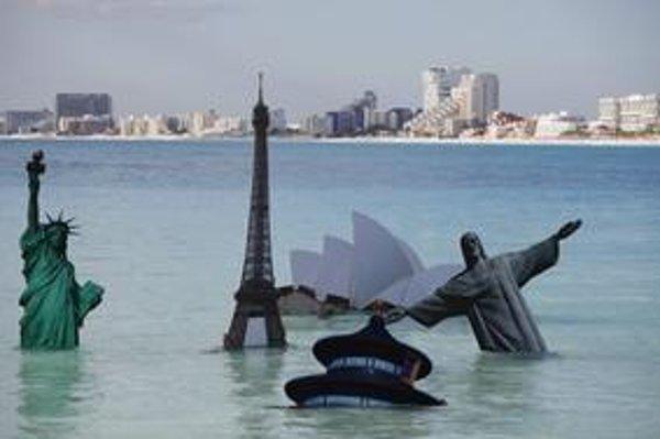 Aktivisti ukazujú, ako by raz mohli dopadnúť symboly svetových miest.