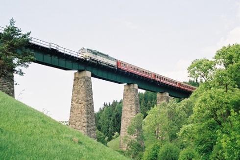 vlak_web.jpg