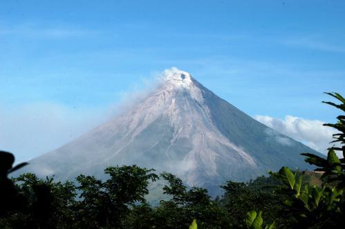 sopka-filipiny2_tasrap.jpg