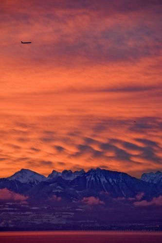 lietadlo-hory_tasrap.jpg