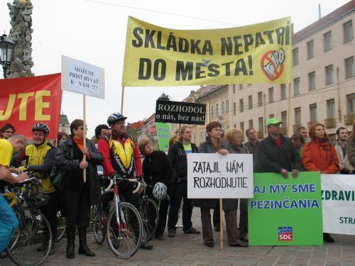 protest_pezinok_2_sme.jpg