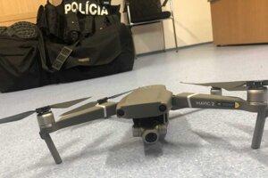 Policajný dron.