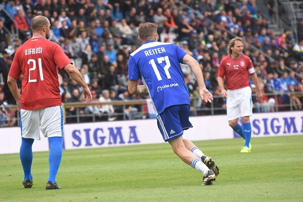 Ľubomír Reiter popreháňal v Olomouci zlatú generáciu českého futbalu. Vrátane Tomáša Ujfalušiho a Pavla Nedvěda, víťaza Zlatej lopty 2003.