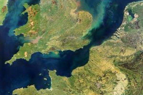 Oblasť, ktorú dnes tvorí Lamanšský prieliv, spájala v minulosti Anglicko s kontinentálnou Európou. Veľké rieky však spôsobili, že dnes je pod hladinou mora.